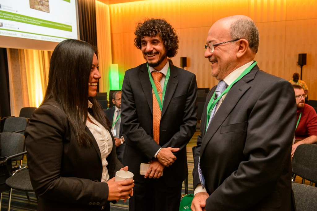 Global Soil Week 2015 Opening Plenary - Minister Aroldo Cedraz with Ivonne Lobos Alva